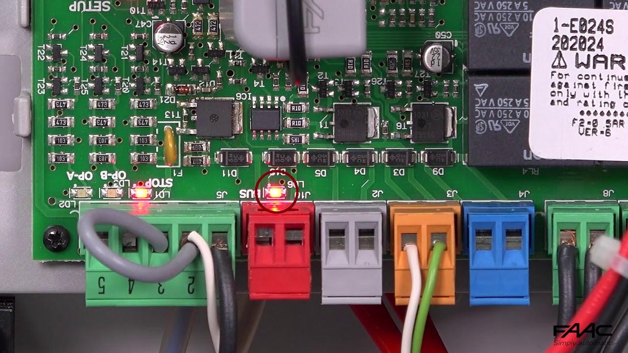 FAAC-E024S-Alimentazione-e-controllo-accensione-led